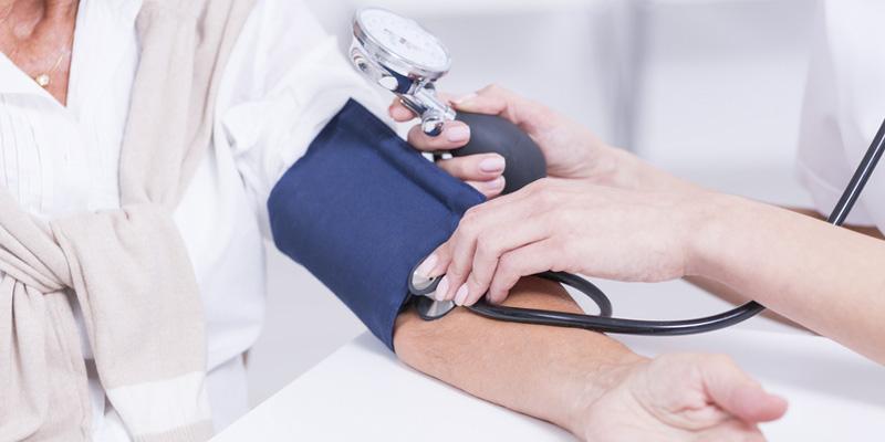 Bluthochdruck - Ursachen und Symptome der Hypertonie behandeln